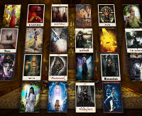 Große Tafel mit Tarotkarten